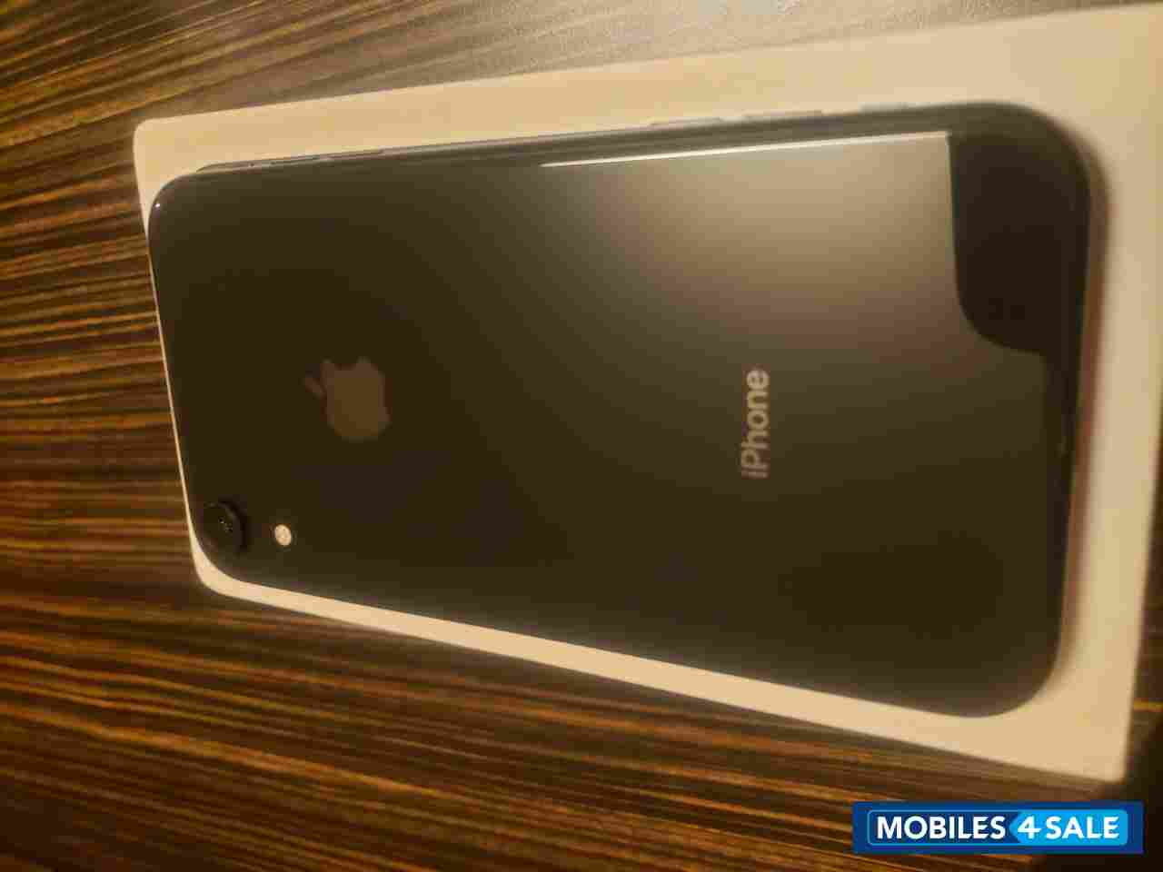 Black Apple  Iphone xr